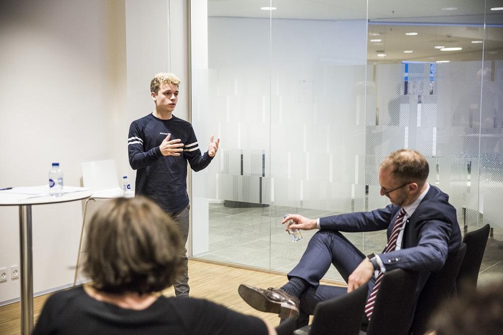 Youtuber Rasmus Brohave deltog som ekspert i et af dagens laboratorier. Rasmus er også UNICEF-ambassadør.