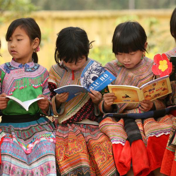 Verdens børn skal knække læsekoden