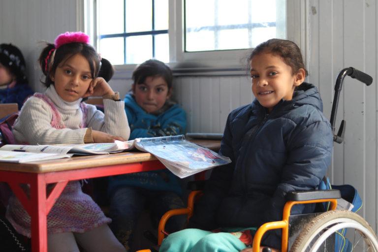 Hanaa på 8 år har mistet førligheden i begge sine ben, efter hun blev ramt af en eksploderende bombe i Aleppo i Syrien.