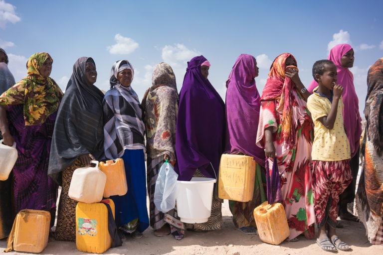 flygtningelejr-vanddunk-UNICEF-vandtank-vand