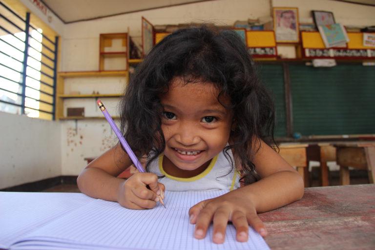 skole-klasse-pige-barn-skoleelev