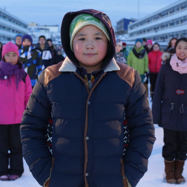 En gruppe grønlandske børn i Grønland