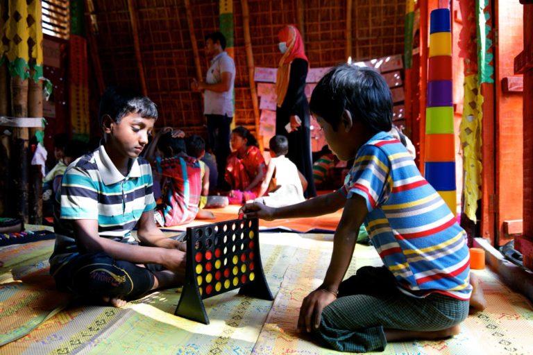 UNICEF/2017/Sujan/Children/play/Bangladesh/Cox's-bazar