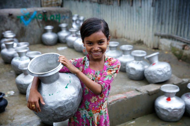 UNICEF/2017/Sujan/Refugee/Rohingya/Girl/Bangladesh