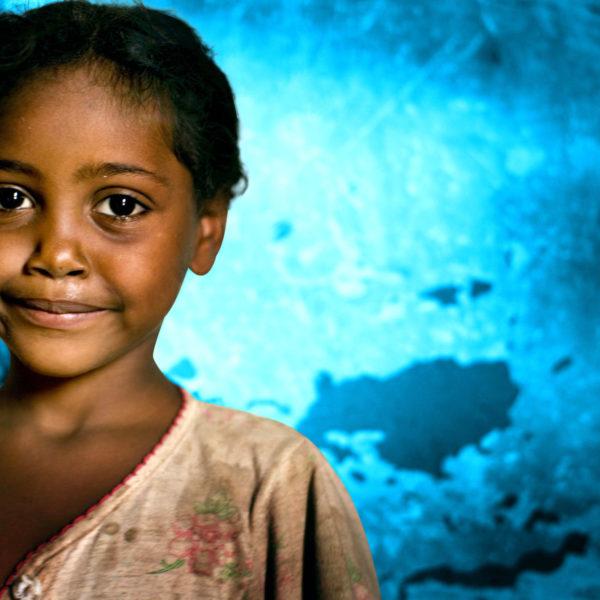 Fatma Salih, 5 år, fra Sudan, blev takket være sin mor ikke omskåret.