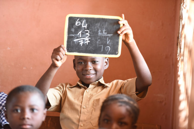 børnearbejde-issiaka-kakaoplantage-skole-skoleelev