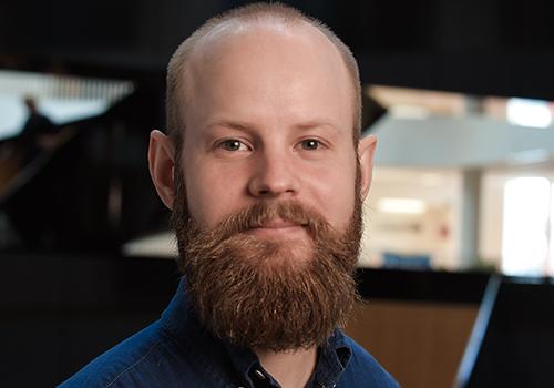 Mads Nørgaard Larsen