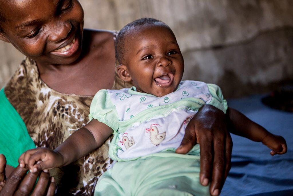 Det er sunde og raske børn som Tecla her, Rikke kæmper for i Tanzania. © UNICEF/UNI197919/Schermbrucker