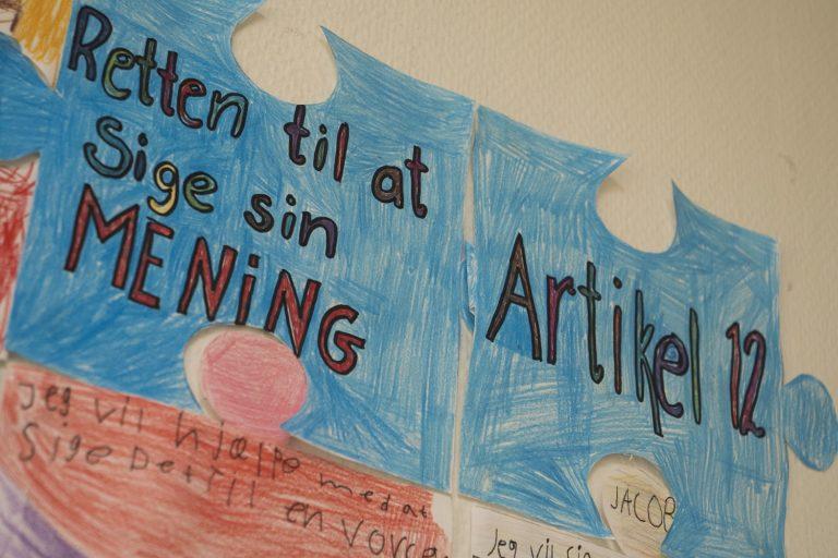 Børn arbejder med børnekonventionen på Kildegårsskolen i Herlev. Foto: Finn Brasen.