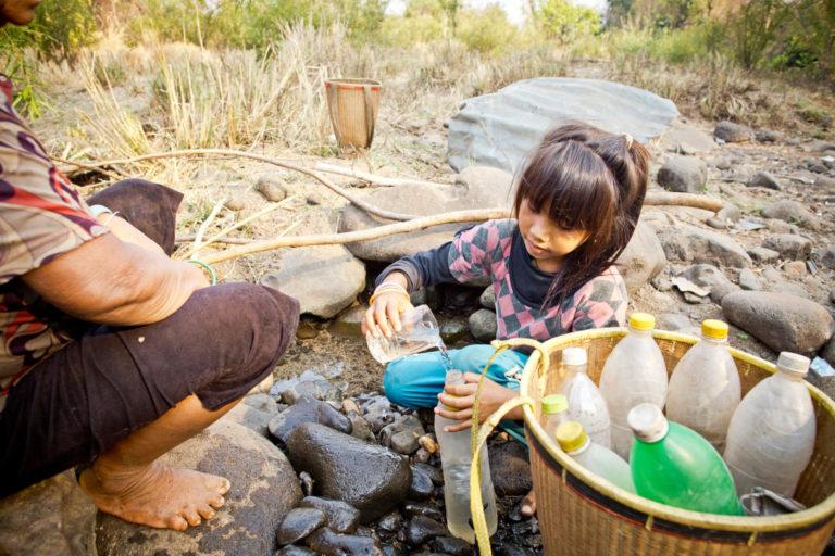 Hver dag kæmper børn for at få rent drikkevand. Det vil kun blive værre i fremtiden på grund af klimaforandringer