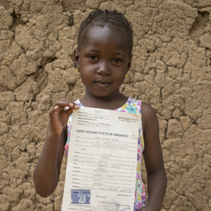UNICEF/2018/Keïta/Birth-certificate-girl-Congo