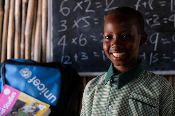 13-årige Ruta fra Sydsudan går i en UNICEF-støttet skole.
