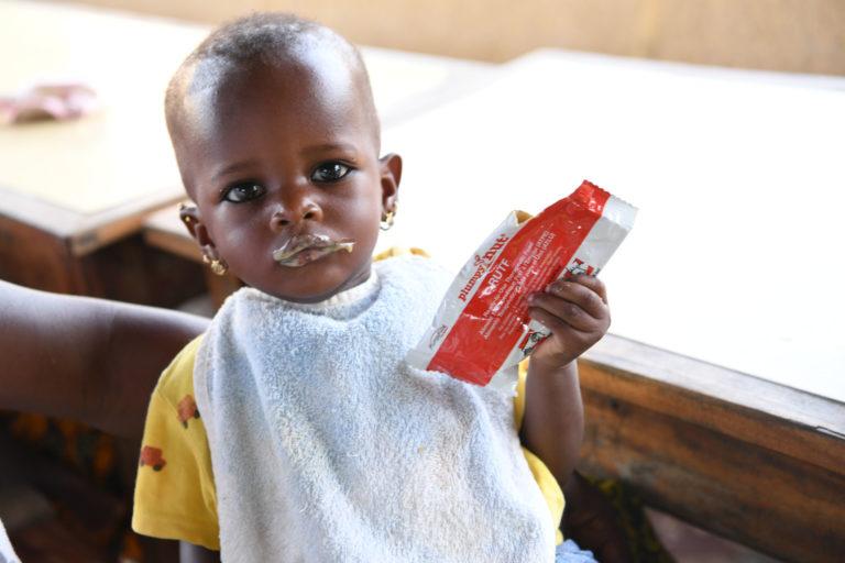 lille-barn-peanut-mos-underernæring