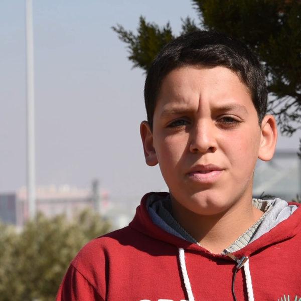 Abdulaziz går kun i fjerde klasse, men burde gå i syvende