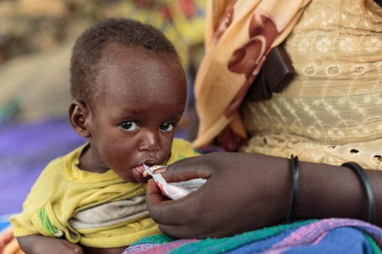 Jordnødder er en vigtig del af behandlingen af underernæring