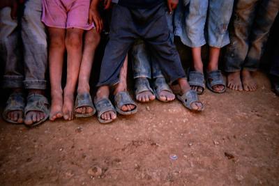 Mange af de syriske børn på flugt har mistet en eller begge forældre i hjemlandet eller er blevet adskilt fra deres familier undervejs.
