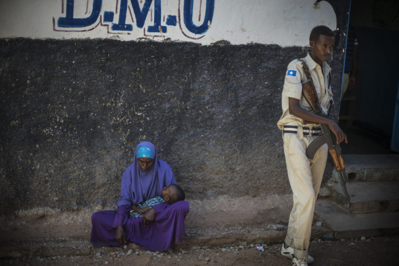 Nyankomne flygtninge i Baidoa-flygtningelejren, Somalia.