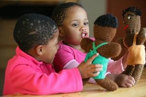 Børn lærer igennem leg med LEGO