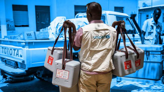 UNICEF Supply devision pakker nødhjælp til hele verden