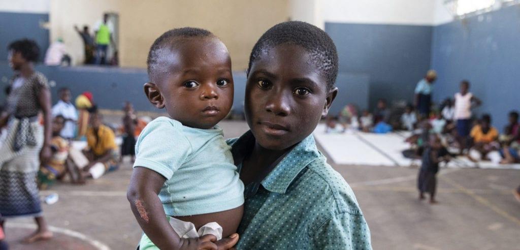 Helcio Filipe Antonio har søgt tilflugt efter kolera spreder sig efter cyklon