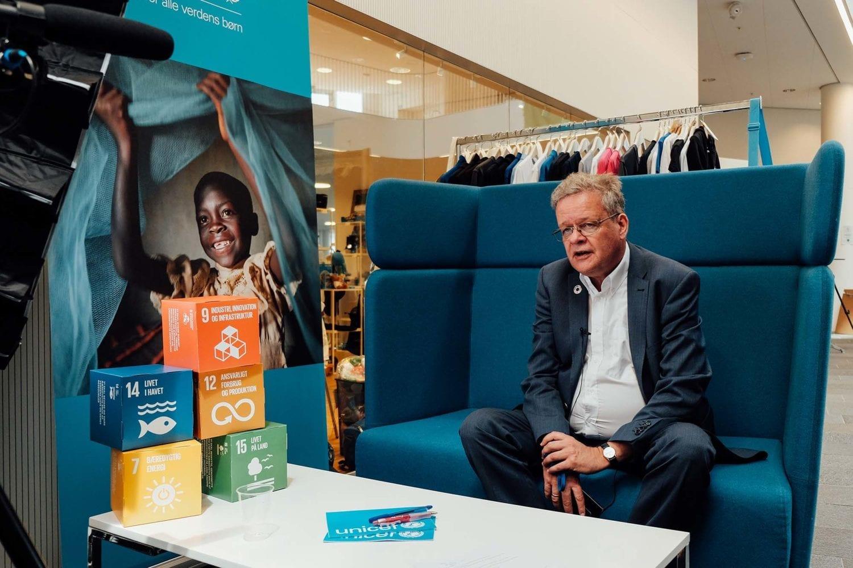 Generalsekretær i UNICEF Danmark Steen M. Andersen bliver interviewet