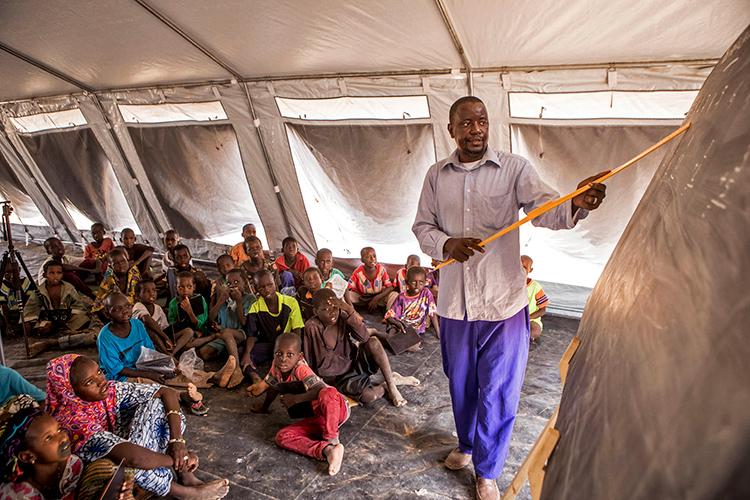 Mali-undervisning-skole-midlertidig-læringscenter-unicef