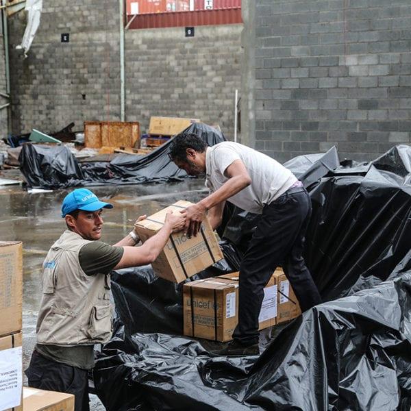 UNICEF medarbejdere leverer nødhjælp efter orkanen Maria, der ramte Caribien i 2017.