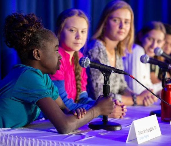 Greta Thunberg og femten andre børn indgiver en klage til FN's Komité for Barnets Rettigheder