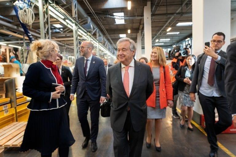 FNs generalsekretær António Guterres og Udviklingsminister Rasmus Prehn på UNICEFs Verdenslager