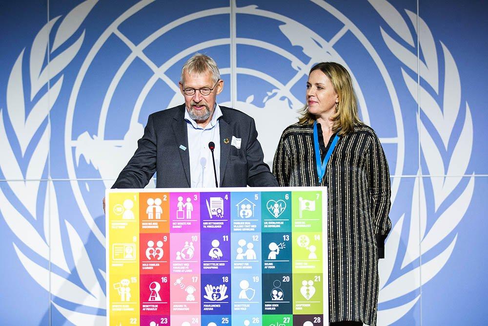 UNICEF Prisen 2019 blev overrakt af UNICEF Danmarks Generalsekretær Karen Hækkerup og bestyrelsesformanden for UNICEF Danmarks bestyrelse Alfred Josefsen.