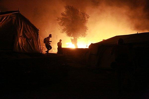 Brand i Moria flygtningelejren